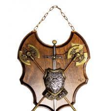 Трофей с двумя топорами и мечом арт TR 93